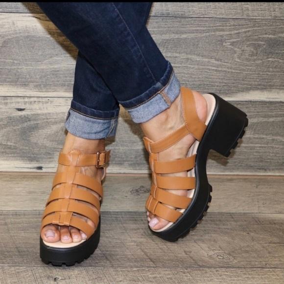 edf7f40f1a Shoes   Tan Chunky Platform Gladiator Sandals   Poshmark
